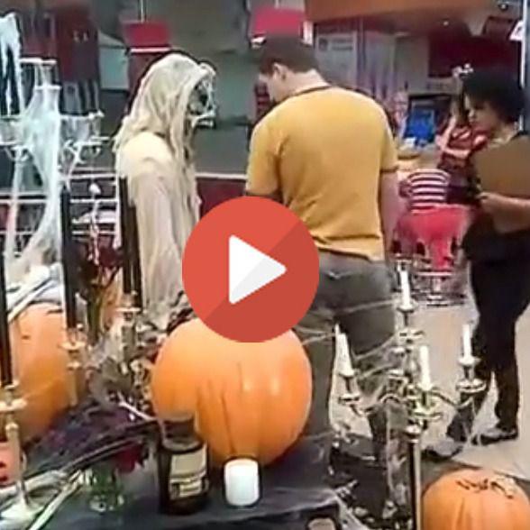 Broma de Halloween sale mal, ¿quién se lleva el susto?