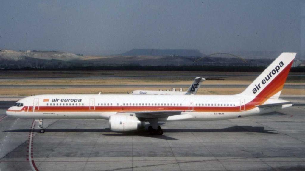 30 aniversario del primer vuelo transoceánico de Air Europa con un bimotor