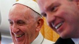 Dimite el portavoz del Papa y su 'número dos', Paloma García Ovejero