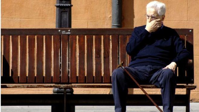 El 65 por cien de los españoles que tiene hijos lo hace para ser cuidados de mayores