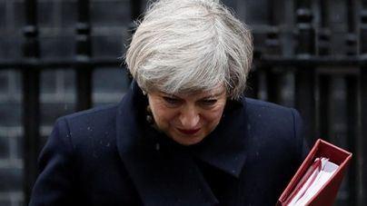 May afronta una moción de censura tras la derrota del Brexit
