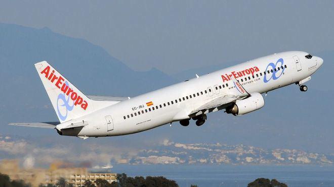 """Air Europa saldrá de Venezuela en """"caso de conflicto"""", Maduro le adeuda 200 millones de dólares"""
