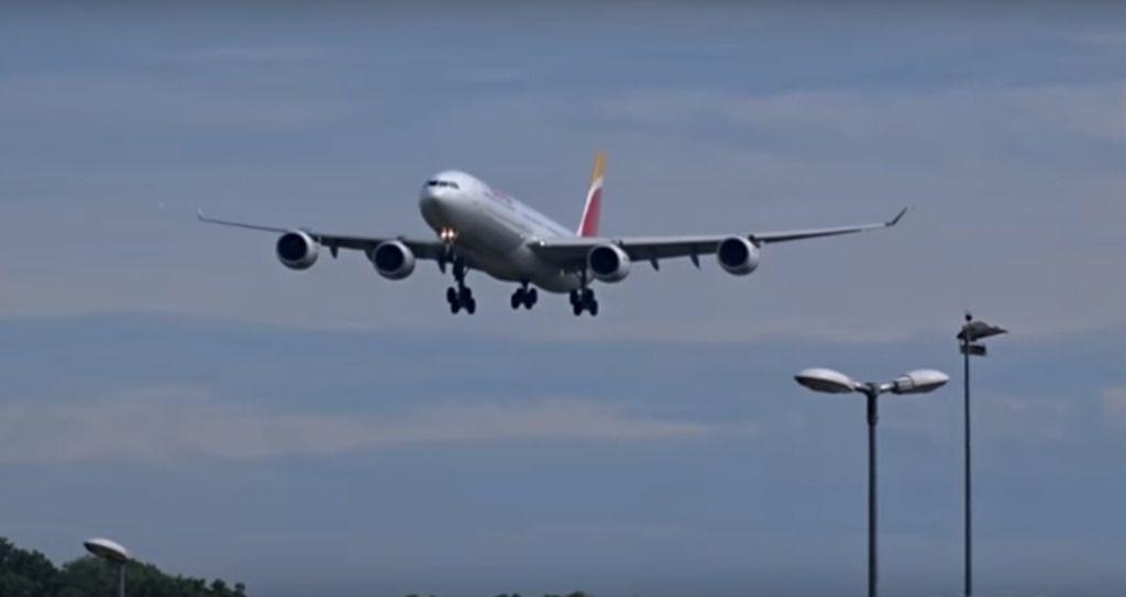 Iberia estudia cancelar sus vuelos a Venezuela
