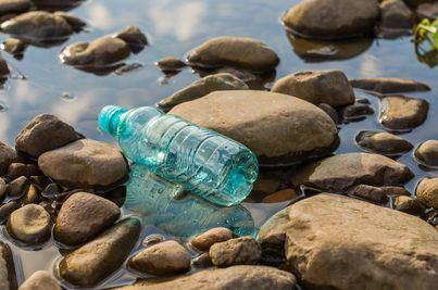 Cada minuto se usan en el mundo un millón de botellas de plástico