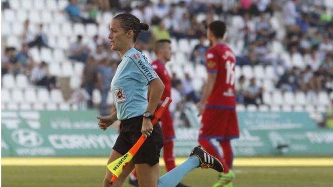 Guadalupe Porras, primera mujer en LaLiga, en el Mallorca-Eibar