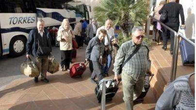 El Gobierno confía en que no haya problemas y los viajes del Imserso comiencen en octubre