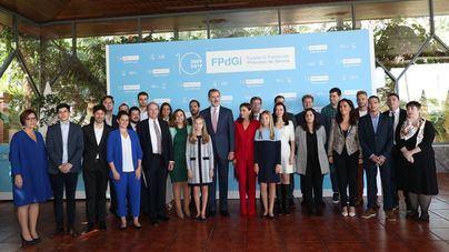 Los Reyes, Leonor y Sofía se reúnen con los premiados por la Fundación Princesa de Girona