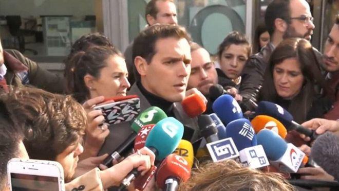 """Rivera pide a los """"moderados"""" que voten: """"Si el centro no se ensancha ganan los extremos"""""""