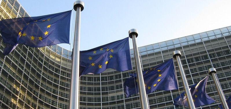 Bruselas amonesta a España por incumplir las previsiones de déficit