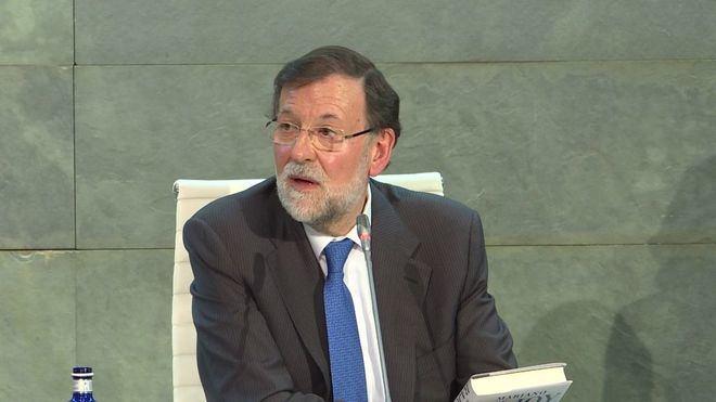 """Rajoy en la presentación de su libro: """"Sánchez será un irresponsable si rompe grandes consensos"""""""