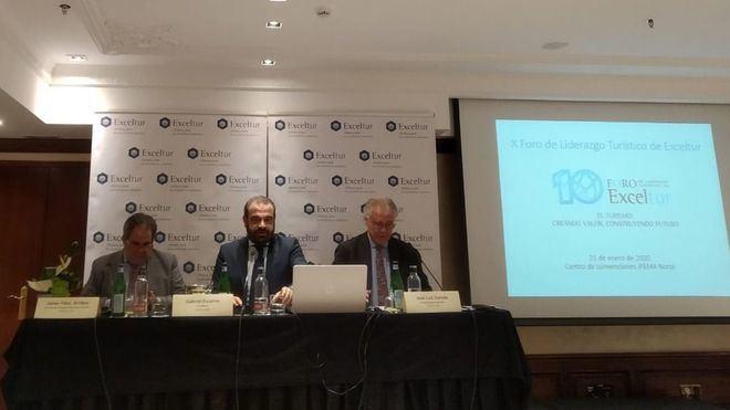 Gabriel Escarrer aboga por una mayor consolidación de las empresas turísticas y su presencia en Bolsa