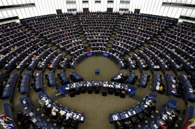 La Eurocámara ratifica el acuerdo de salida del Reino Unido a tres días del Brexit