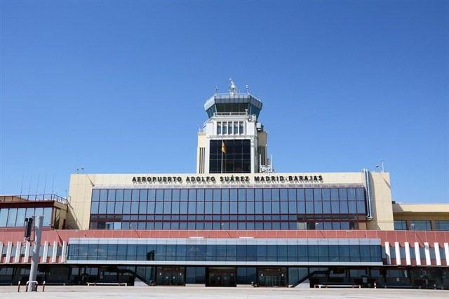 Cerrado el espacio aéreo de Madrid Barajas ante la presencia de drones