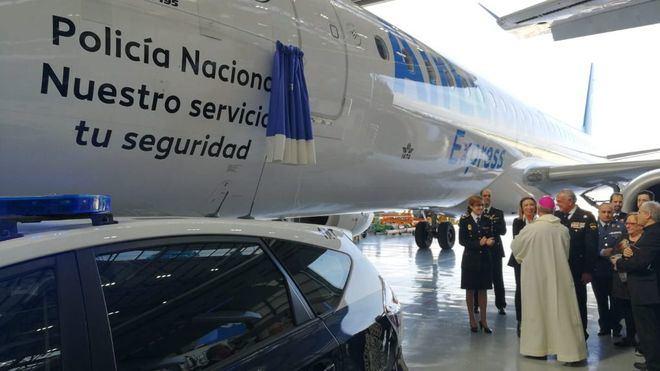Air Europa dedica uno de sus aviones a la Policía Nacional