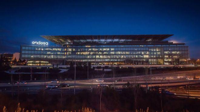 Endesa crea un fondo de 25 millones de euros y lanza un plan de lucha contra el coronavirus