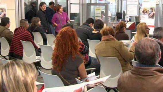 302.365 desempleados en marzo: España firma su peor dato de paro de la historia