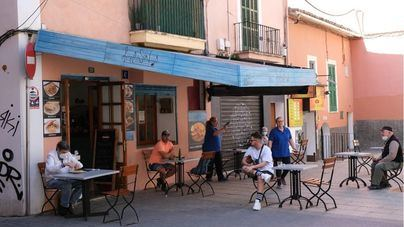 Los hosteleros piden aumentar el aforo al 50 por ciento en el interior de los bares en fase 2