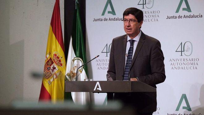 Andalucía recela del plan piloto de Baleares: '¿Acaso aquí no vamos a poder recibir al turismo alemán?'