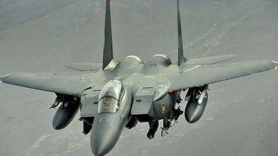 Un avión del ejército de Estados Unidos se precipita al mar, frente a la costa británica