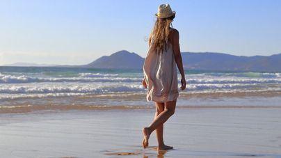 Pasear por la playa mejora la salud mental