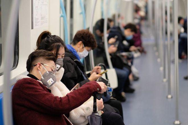 China confirma más de 100 nuevos casos de coronavirus por segundo día consecutivo