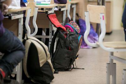 Celaá advierte que 'si fuera necesario', tendrán que abrirse aulas fuera de los centros el próximo curso