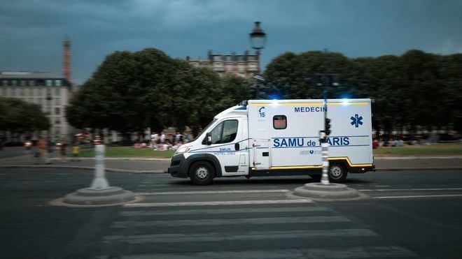 Francia suma 4.897 positivos de coronavirus en 24 horas