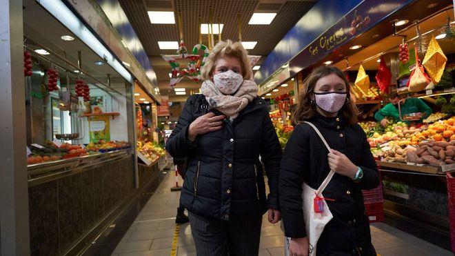 Fin a la Navidad con los indicadores de coronavirus disparados en España