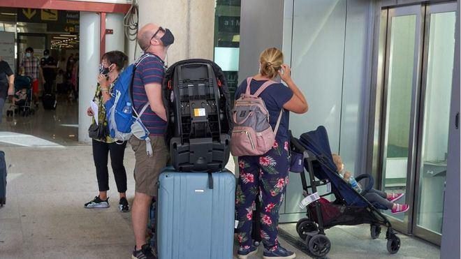 La ministra Maroto: 'Los turistas desean volver a España'