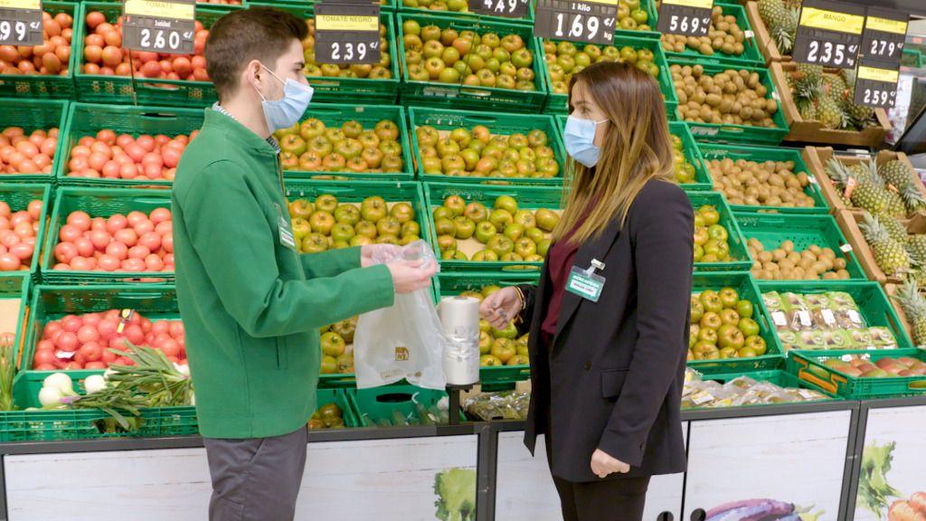 Mercadona elimina las bolsas de plástico en sus tiendas y el servicio a domicilio