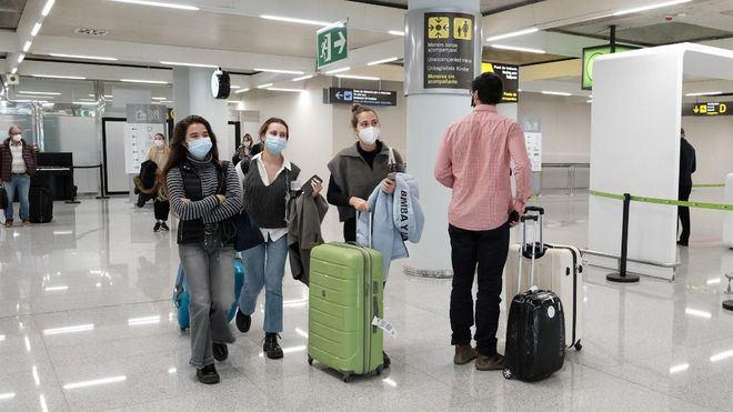 El distanciamiento social es más eficaz que la restricción de viajes para contener la Covid