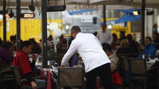 Baleares y Canarias aglutinan el 16 por cien de todos los trabajadores en ERTE