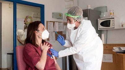 Expertos calculan una reducción de muertes del 60 por cien gracias a las vacunas