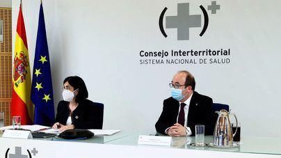 Sanidad y comunidades debaten hoy acerca de la segunda dosis de AstraZeneca a menores de 60