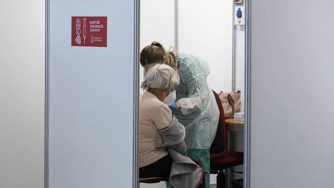 Escrivá avanza que las mutuas podrán empezar a vacunar