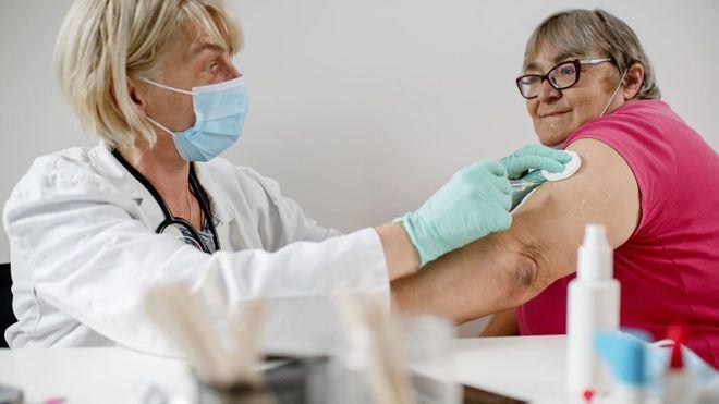 Bioética avala la segunda dosis de AstraZeneca