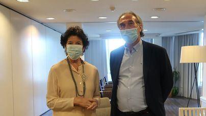 Foto de archivo de la ministra con el conseller Martí March