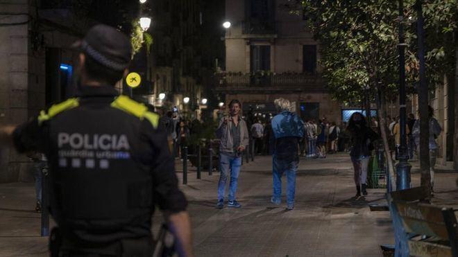 Cataluña y Cantabria planean decretar el toque de queda, que la Justicia ha denegado en Canarias