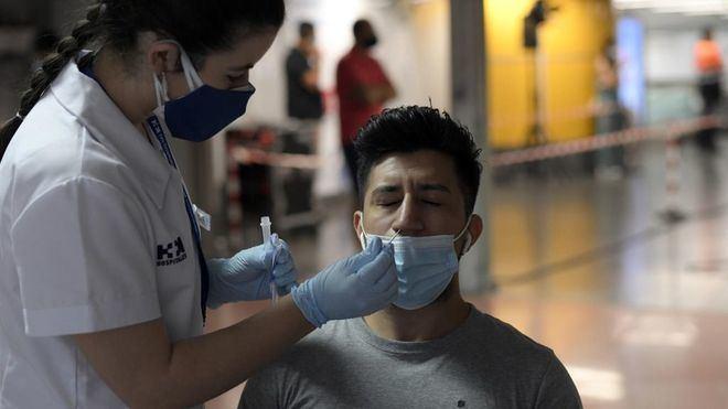Cerca de 26.400 nuevos contagios en España, con la incidencia ya por encima de 469