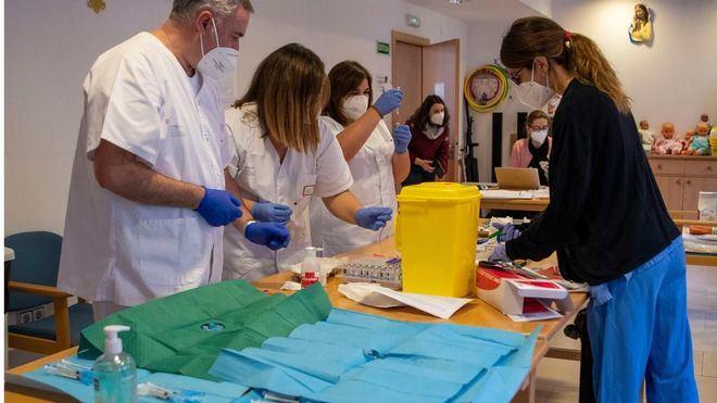 España registra cerca de 30.000 nuevos contagios, con la incidencia rozando los 660 casos