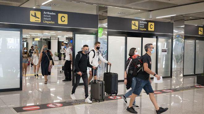 La Comisión Europea pide que el control del certificado Covid se realice antes de llegar al aeropuerto
