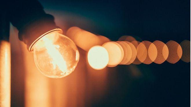 El precio de la luz se toma un respiro