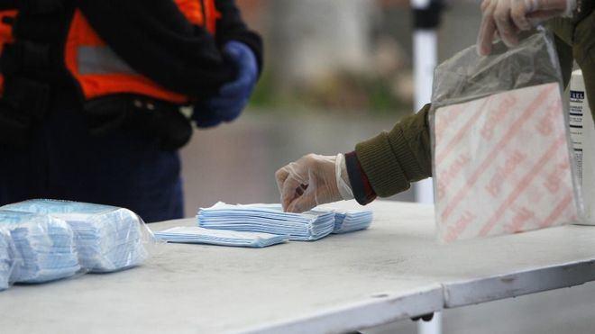 La tasa de incidencia en España desciende a 91 casos, con algo más de 3.200 nuevos positivos