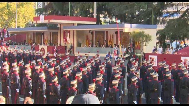 Abucheos a Sánchez en el desfile del 12 de octubre