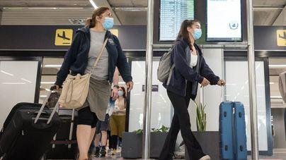 Reino Unido sustituirá el 24 octubre los test PCR por antígenos para viajeros