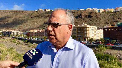 Curbelo pide a Endesa más inversiones para las infraestructuras eléctricas de La Gomera