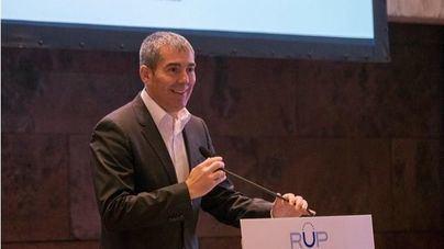 Clavijo avisa de que los fondos RUP 'están en peligro' y apela a defenderlos 'con uñas y dientes'