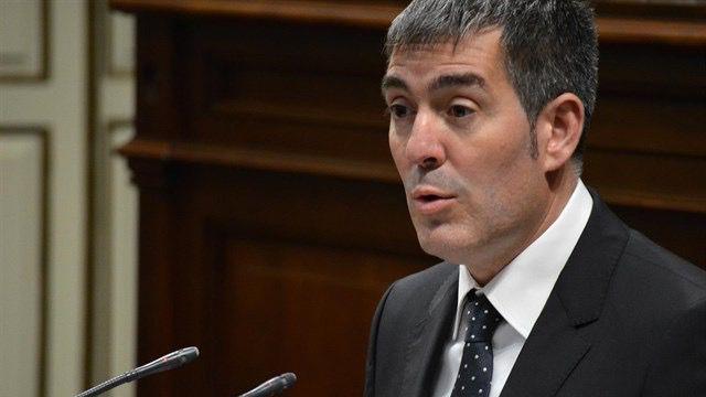 Clavijo dice que si el Estado no firma el convenio de carreteras 'incumple' la agenda canaria