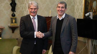 Clavijo pide a Rajoy que participe en la agenda de la RUP