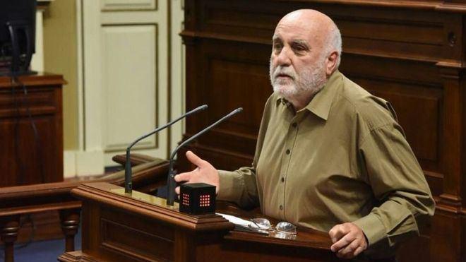 Marrero acusa a Clavijo de representar los intereses de las multinacionales de la energía